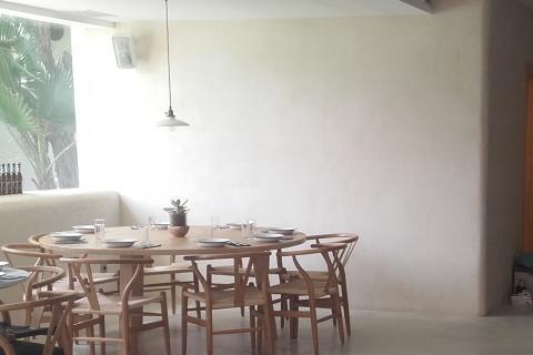 restaurante local reforma bioreforma bioconstruccion defango yeso arcilla cal pintura natural revestimiento sano casa sana