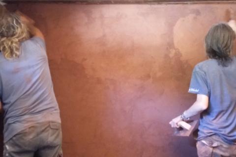 Talleres de bioconstrucción defango arcilla cal barro pared natural