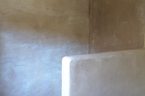 el mortero de cal tadelakt se hidrofuga con jabón negro marroquí. revoco natural