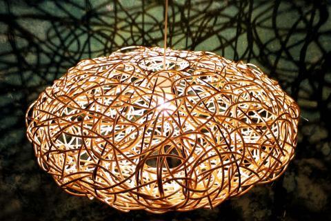 Lampara fibras vegetales defango bioconstruccion ecoarquitectura arte diseño vegetal naturaleza interior design deco home decor cesteria basketry weaving