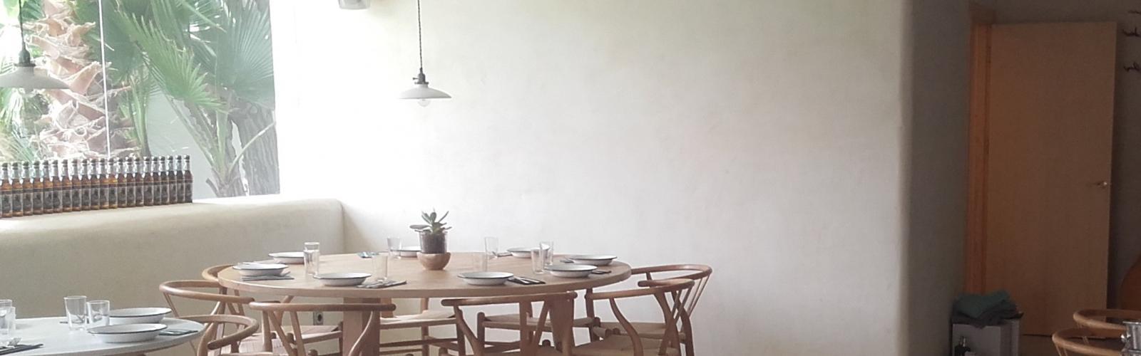 Restauracion sostenible restaurante yeso arcilla revoco cal paredes sanas bioconstruccion reforma defango